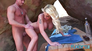 Fake tittied blonde Jessica gives a blowjob and gets fucked outdoor