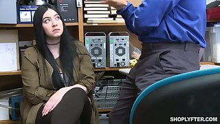 Gaffer shoplifting chick Amilia Onyx is fucked off out of one's mind kinky dude close to the back room