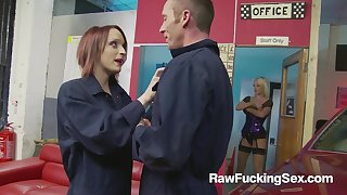 Mechanic Farrah Fox Rides A Knob