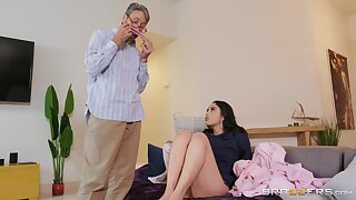 Impressionable Vanessa Sky gets busy with a much older impoverish