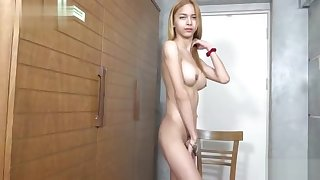 Glum shemale sex and cumshot