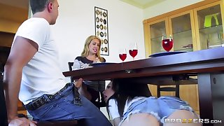 Brazzers - Naughty step daughter Aidra wicked one