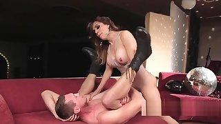 Busty tranny anal fucks muscled stud